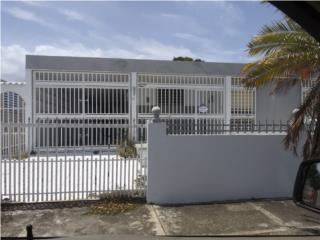 Urb La Margarita II, Salinas - Bonita casa