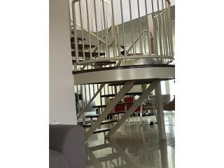 Se vende casa 4 h y 2.5b marquesina Realtor