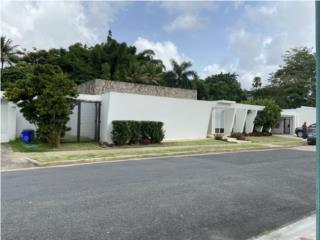 Espaciosa casa en Garden Hills Sur