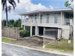 EXCELENTE casa con amplio terreno.