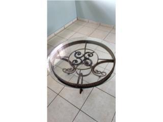 Mesa de centro hierro color oro $500, Puerto Rico
