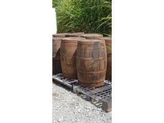 Barriles rústicos de madera importados, Puerto Rico