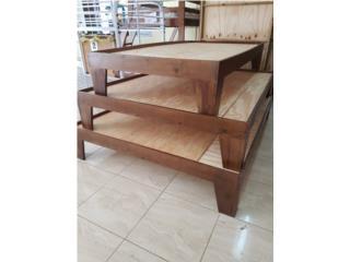 Plataformas hechas de madera pino, Puerto Rico