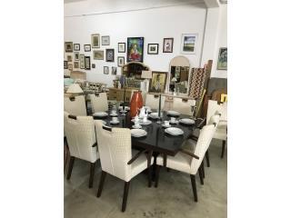 Comedor con diez sillas , Puerto Rico
