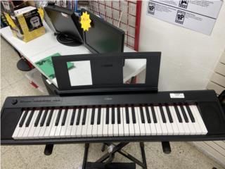 Piano Yamaha con stand, Puerto Rico