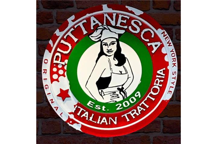 Puttanesca Trattoria. Pizza, San Juan - Río Piedras