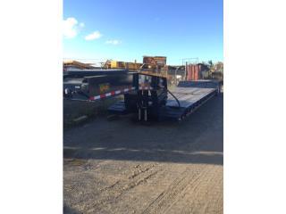 2017 WITZCO 35 ton trailer, Equipo Construccion Puerto Rico