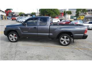 2012 TOYOTA TACOMA CAB 1/2 ( COMO NUEVA ), Toyota Puerto Rico