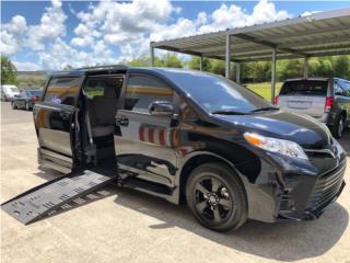 Sienna LE BLACK con rampa de impedido, Toyota Puerto Rico
