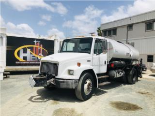Freightliner FL70 Camion distribuidor Aceite, Equipo Construccion Puerto Rico