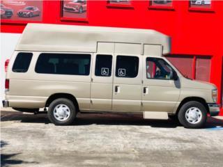 ECONOLINE IMPEDIDO CON RAMPA 20 MIL MILLAS, Ford Puerto Rico