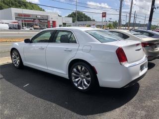 2019 Chrysler 300 // Pagos Cómodos , Chrysler Puerto Rico