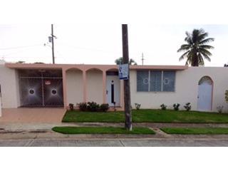 Comodo Hogar en Urbanizacion de Aguadilla, Aguadilla Real Estate Puerto Rico