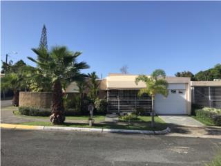 Urb Venus Gardens, Preciosa Casa con Terraza, San Juan Real Estate Puerto Rico