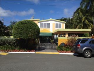 Casa Custom made lista para mudarse Frente a Playa, Toa Baja-Levittown Real Estate Puerto Rico