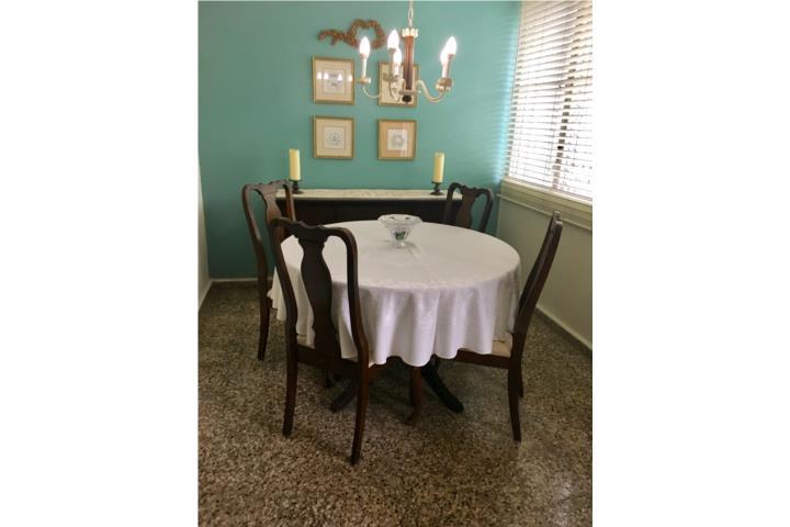 Comedor 6 sillas y chinero usado 250 puerto rico for Comedor 6 sillas usado