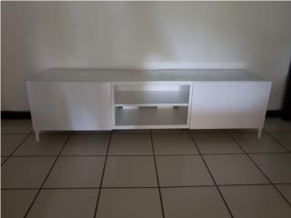 Muebles IKEA para televisor y comedor. Puerto Rico