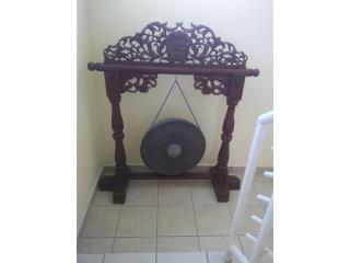 Humacao-Palmas Puerto Rico Muebles Mesas Comedor, Gong, with hand carved stand