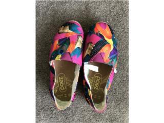 Vega Alta Puerto Rico COVID-19 Mascarillas, Zapatos coloridos ('Toms') Como nuevos!