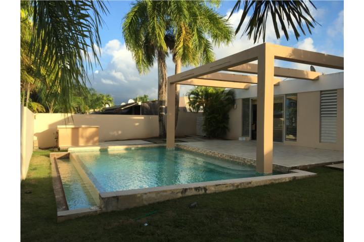 Ciudad jardin preciosa piscina equipada urbanizacion for Casas en ciudad jardin