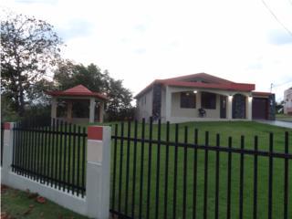 Hermosa Casa con pacifica y segura area c 2cuerdas, Moca Real Estate Puerto Rico