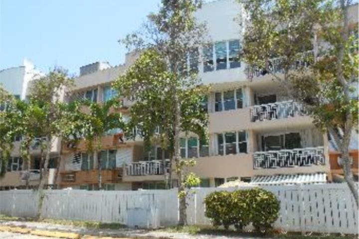 Bank Oriental De Bayamon:rico apartamento walkup en condominio las villas de ciudad jardin de 3