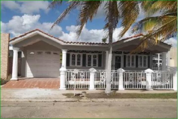 Urbanizacion villa universitaria humacao puerto rico for Villas universitarias