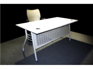 San Juan-Hato Rey Puerto Rico Equipo Comercial, mesa de trainning o escritorio de 5' moderno