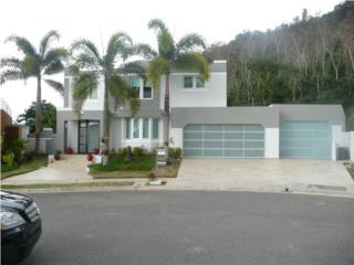PUERTA GARAGE MODELO DE LUJO  Y ELEGANCIA  , PUERTO RICO GARAGE DOORS INC. Puerto Rico
