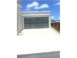 PUERTA GARAGE MODELO DE LUJO A TU HOGAR, PUERTO RICO GARAGE DOORS INC. Puerto Rico