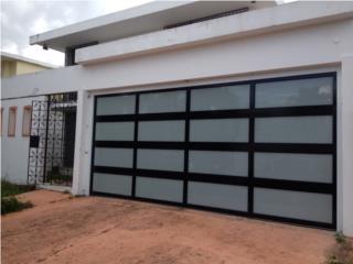 PUERTA GARAGE MODELO TRES MARQUESINA LUXURY, PUERTO RICO GARAGE DOORS INC. Puerto Rico