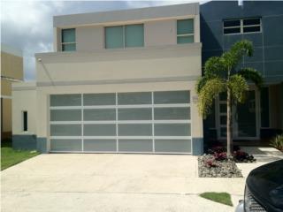 PUERTA GARAGE MODELO DE ELEGANCIA Y SEGURIDAD, PUERTO RICO GARAGE DOORS INC. Puerto Rico