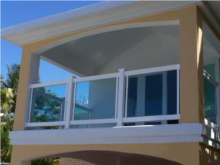 Baranda PVC con Cristal Modelo: Solid-Glass, Pro Fence Puerto Rico