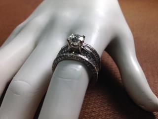 Set de Matrimonio de 3 piezas 18K c/Diamantes, Monte Piedad, Inc. Puerto Rico