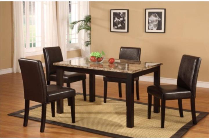 Juego de comedor 4 sillas y tope en m rmol puerto rico for Comedor marmol 4 sillas