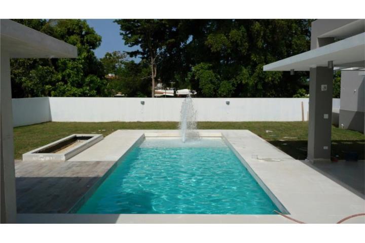 Piscinas modernas for Fotos de piscinas modernas en puerto rico