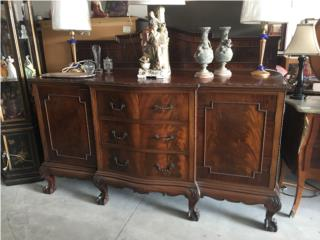 Credenza Waring and Gillow, de origen Ingles, The Pickup Place Puerto Rico