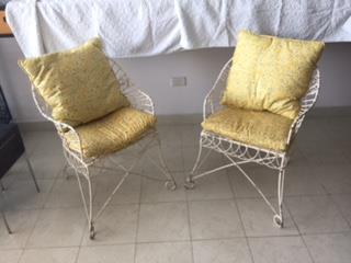 2 Sillas de Hierro Victorianas MG, Mr. Bond Vintage Puerto Rico