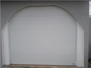 Puerta de garaje a rayas sin cristal, Authentic Garage Doors PR Puerto Rico