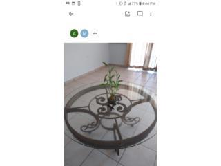 Mesa de centro redonda en Hierro $400, Garage Sale Puerto Rico