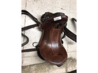 Silla de caballo, La Familia Casa de Empeño y Joyería-Humacao Puerto Rico