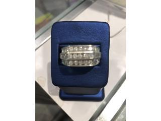 Sortija 10 kt con diamantes , La Familia Casa de Empeño y Joyería-Humacao Puerto Rico