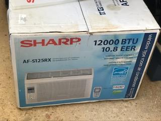 Sharp Air Conditioner, La Familia Casa de Empeño y Joyería-Carolina 1 Puerto Rico