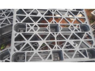 paletas plasticas importadas 42x48 perforadas, NEBRIEL ENVASES DE PUERTO RICO Puerto Rico