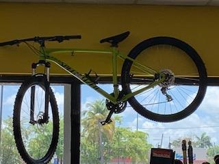 Specialized Bike Green, La Familia Casa de Empeño y Joyería-Carolina 1 Puerto Rico
