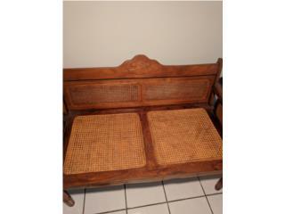 Aguada Puerto Rico Piscinas, Muebles de pajilla en caoba. 3 piezas