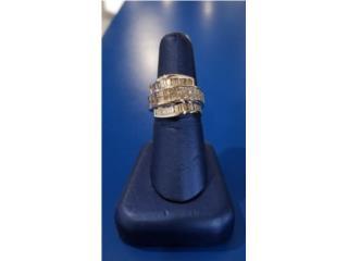 Lady's Diamond Cluster Ring: 9.2D 18K, La Familia Casa de Empeño y Joyería-Mayagüez 1 Puerto Rico