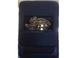 Anillo de mujer Oro con diamantes , La Familia Casa de Empeño y Joyería-Ponce 1 Puerto Rico