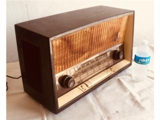 Grundig AM/FM/SW Radio 1950's. Funciona!, Mr. Bond Vintage Puerto Rico