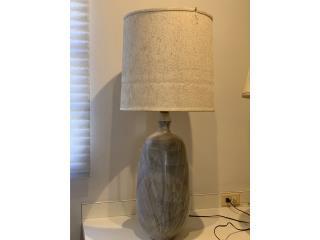 Lámpara vintage en piedra, estilo mid-century, Sucesion Wood Vicente Puerto Rico